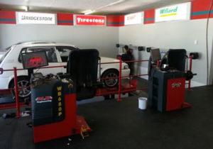 garage equipment rentals